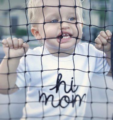 witte hi mom t-shirt