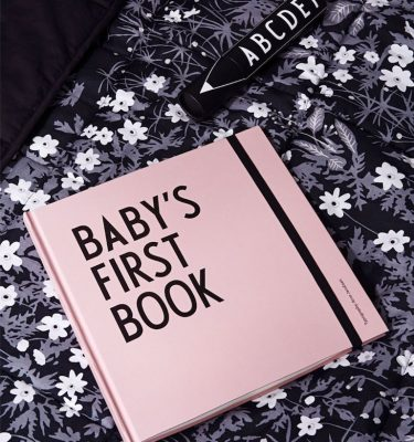 Baby's First Book - Pink impressie